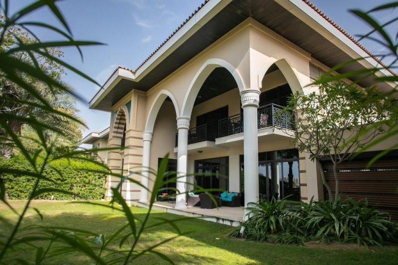 Hotel Villa with Pool